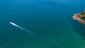 Вид с воздуха тропического моря сини ясности острова Стоковая Фотография RF
