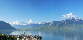 Вид с воздуха швейцарской деревни страны. Стоковая Фотография
