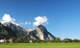 Вид с воздуха швейцарской деревни страны. Стоковые Фото