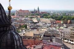 Вид с воздуха южной части Кракова с замком Wawel стоковая фотография