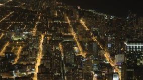 вид с воздуха 4K UltraHD широкий после наступления темноты в Чикаго сток-видео