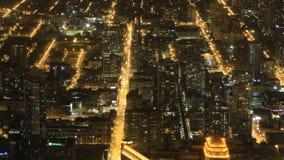 вид с воздуха 4K UltraHD широкий Чикаго после наступления темноты сток-видео