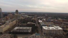 Вид с воздуха Raleigh Северной Каролины городских условий сток-видео