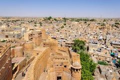 Вид с птичьего полета города Jaisalmer от золотого форта Jaisalmer, Стоковые Изображения RF