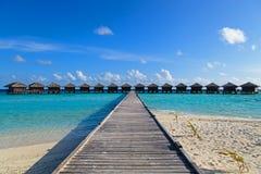 Виллы воды в тропическом курорте Стоковое Фото