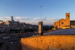 Виды на город утра Сиены панорамные Стоковое Изображение RF