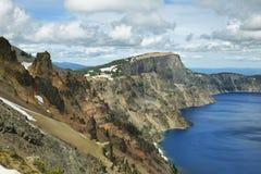 Виды на озеро кратера к пику Гарфилда Стоковые Изображения