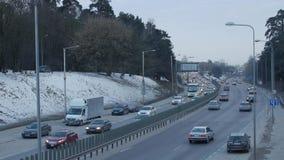 Вильнюс, Литва - 9-ое февраля 2017: затор движения на шоссе города акции видеоматериалы