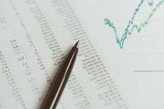Вклад, финансовая концепция статистики отчета, конец-вверх blac стоковое изображение rf