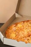 Вкусная пицца в коробке Стоковые Фото