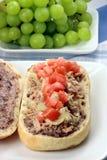 вкусная среднеземноморская туна сандвича Стоковое Фото