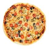 Вкусная, flavorful пицца изолированная на белой предпосылке Архив содержит путь к изоляции Стоковая Фотография RF