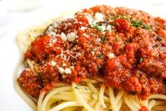 Вкусные макаронные изделия-итальянские макаронные изделия соуса мяса Стоковое Изображение RF