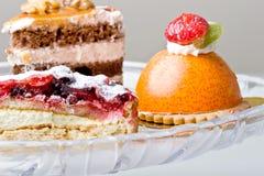 вкусные обслуживания помадки mousse лакомки десертов Стоковое Изображение RF