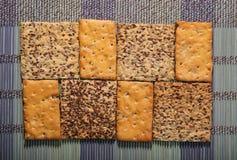 Вкусные печенья разных видов 2 вида печенья стоковая фотография rf