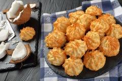 Вкусные печенья macaroons кокоса, конец вверх Стоковая Фотография