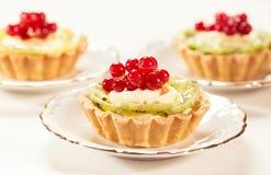вкусные пироги клубники стоковое фото rf