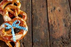 Вкусные посоленные баварские печенья кренделя Стоковое фото RF