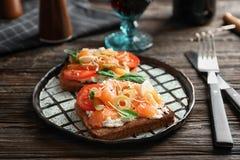 Вкусные bruschettas с оливками Стоковая Фотография RF