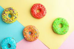 Вкусные donuts с брызгают Стоковые Изображения