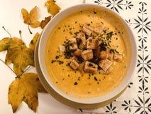 Вкусный, горячий суп тыквы стоковая фотография