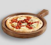 Вкусный затвор пиццы и пиццы древесины сельского дома стоковые фото