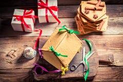 Вкусный коттедж пряника как подарок рождества Стоковое Изображение