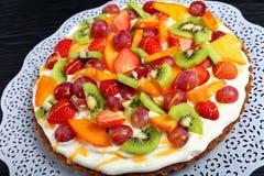 Вкусный пирог плодоовощ с плавленым сыром Стоковые Фотографии RF