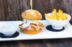 Вкусный salmon бургер рыб Стоковое Фото