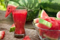Вкусный smoothie питья арбуза в стекле Стоковое Фото