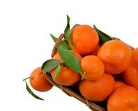 Вкусный tangerine в деревянной корзине Стоковые Изображения