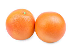 2 вкусных апельсина, изолированного на белой предпосылке Питательный и сочный апельсин Свежие и зрелые апельсины померанцы извест Стоковое Изображение RF
