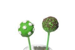 2 вкусных покрашенных cakepops Стоковая Фотография