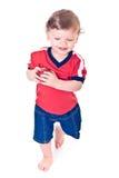 владения младенца яблока barefooted идя красные Стоковое Изображение RF
