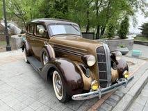 Владивосток, Россия, 18-ое мая 2019 Выставка американских ретро-автомобилей Додж 6 1936 год изготовления Владивосток, адмирал стоковые фото