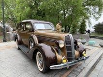 Владивосток, Россия, 18-ое мая 2019 Выставка американских ретро-автомобилей Додж 6 1936 год изготовления Владивосток, адмирал стоковые изображения rf