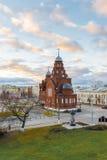 ВЛАДИМИР, РОССИЯ -05 11 2015 Старая троица виска верующих в квадрате театра Стоковые Фото