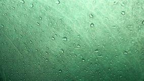 Влажная поверхность туристского шатра сток-видео