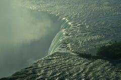 Влажный край стены воды стоковые изображения