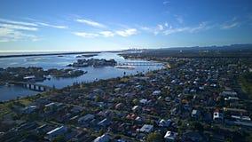 Властительские острова и пункт рая смотря на рай Gold Coast серферов надеются поле для гольфа острова и мочатся переднее имуществ стоковые изображения rf