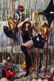 влияние танцы контраста затеняет детенышей женщины стоковые изображения