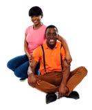 влюбленность африканских пар счастливая Стоковые Фотографии RF