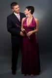 влюбленность вечера платья пар Стоковая Фотография RF