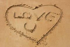 влюбленность пляжа песочная вы Стоковые Фотографии RF