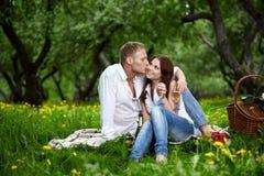 влюбленныйся человек поцелуя Стоковое фото RF