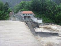 Внезапное наводнение. Стихийное бедствие. Запруда. Стоковое Фото