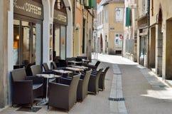 Внешнее кафе в пешеходной улице Стоковое фото RF