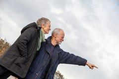 Внешнее старших пар престарелое совместно Стоковые Фотографии RF