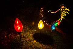 Внешние электрические лампы цвета смололи украшения яркий Стоковое Изображение