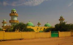 Внешний взгляд к грандиозной мечети Zinder, Нигера Стоковое Изображение